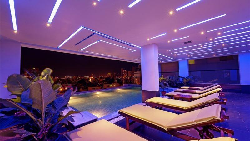 Khách sạn này nằm ngay tại trung tâm thành phố Đà Nẵng khá thuận tiện cho du khách tham quan