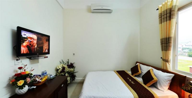 Khách sạn Đào Hùng