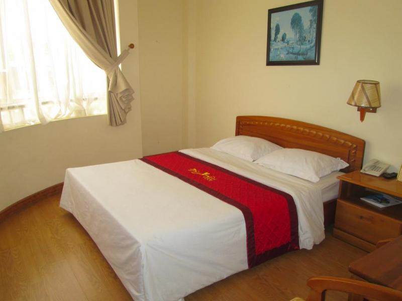 Không gian ấm cúng của phòng khách sạn