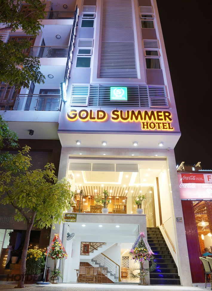 Khách sạn Gold Summer nằm ở vị trí thuận lợi thuộc Đà Nẵng