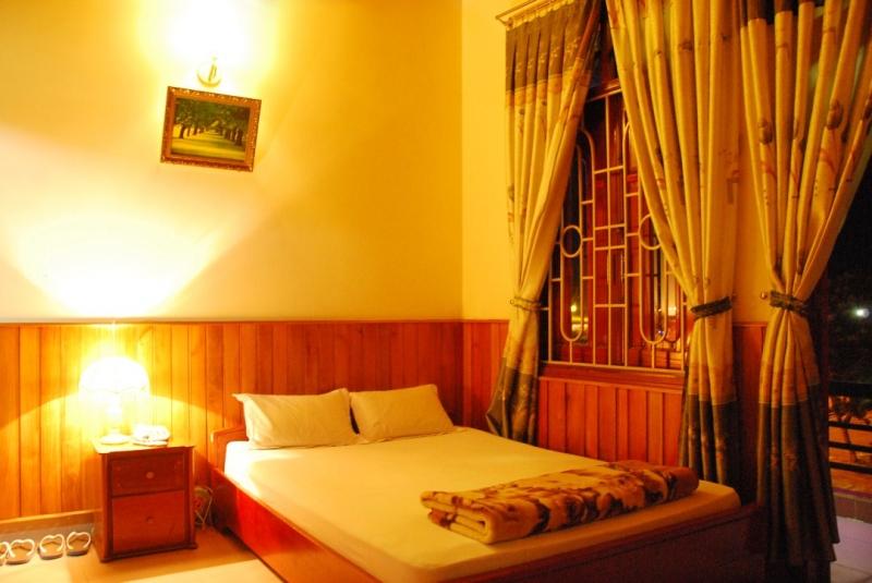 Với tiêu chuẩn 2 sao và do gia đình tự quản nên các phòng được thiết kế khá đơn giản, ấm cúng cho bạn cảm giác như thể ở nhà