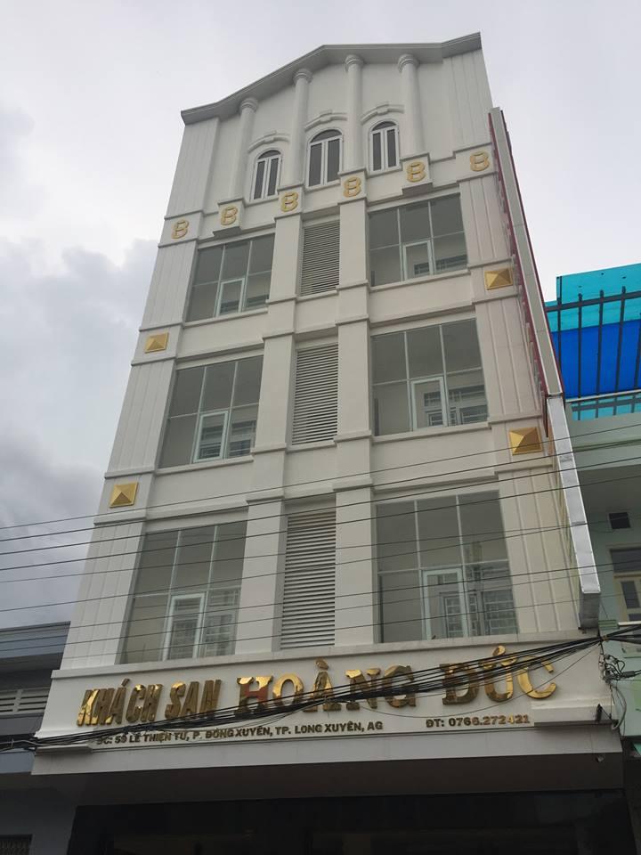 Mặt trước của khách sạn