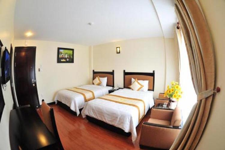 Khách sạn Hưng Thái