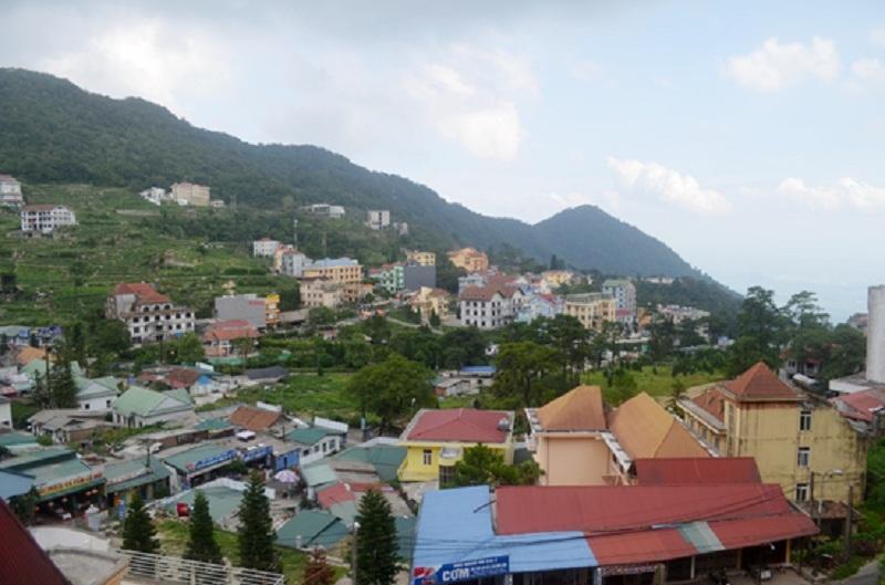 Thị trấn Tam Đảo nhìn từ phòng nghỉ của khách sạn