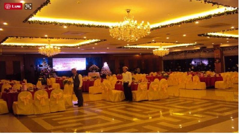 Một phòng tiệc của khách sạn Hữu Nghị được bài trí tinh tế