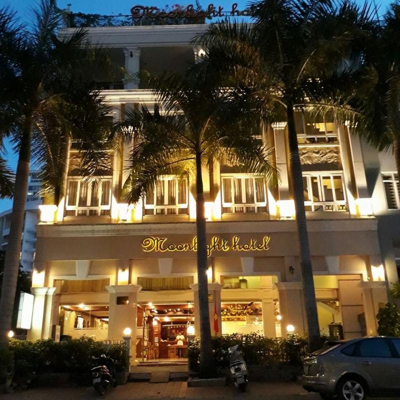 Khách sạn Moonlight Saigon South