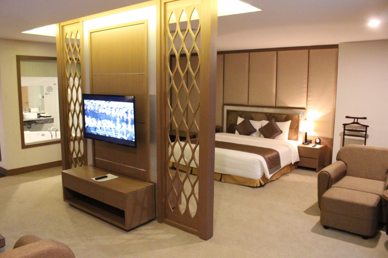Muong Thanh Grand has a warm and modern space