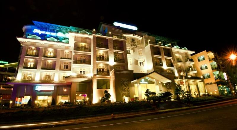 Khách sạn Ngọc Lan sở hữu một vị thế vô cùng thuận lợi
