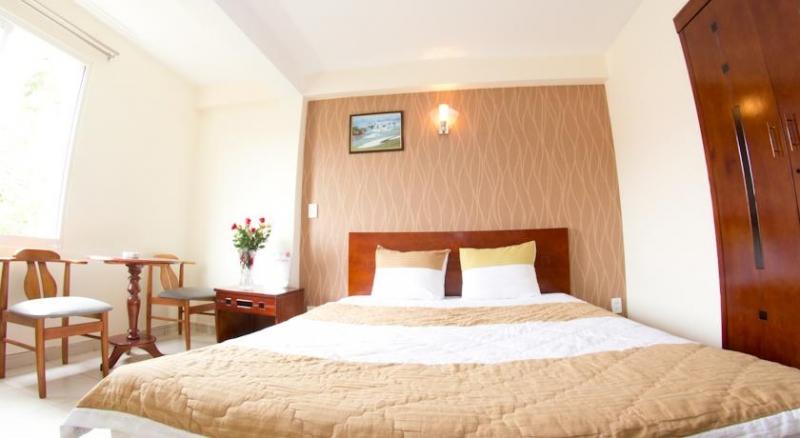 Khách sạn Phong Lan