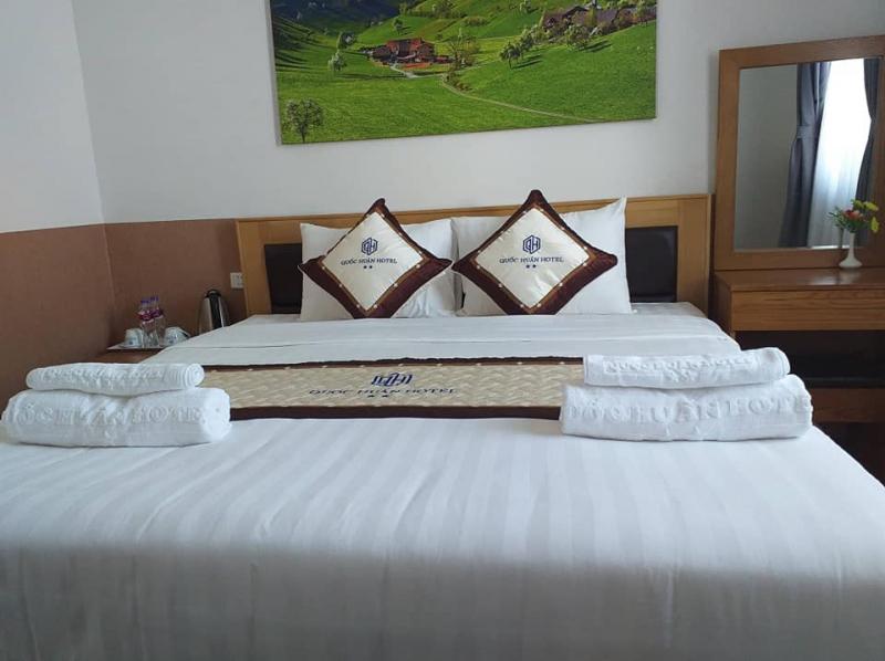 Khách Sạn Quốc Huấn