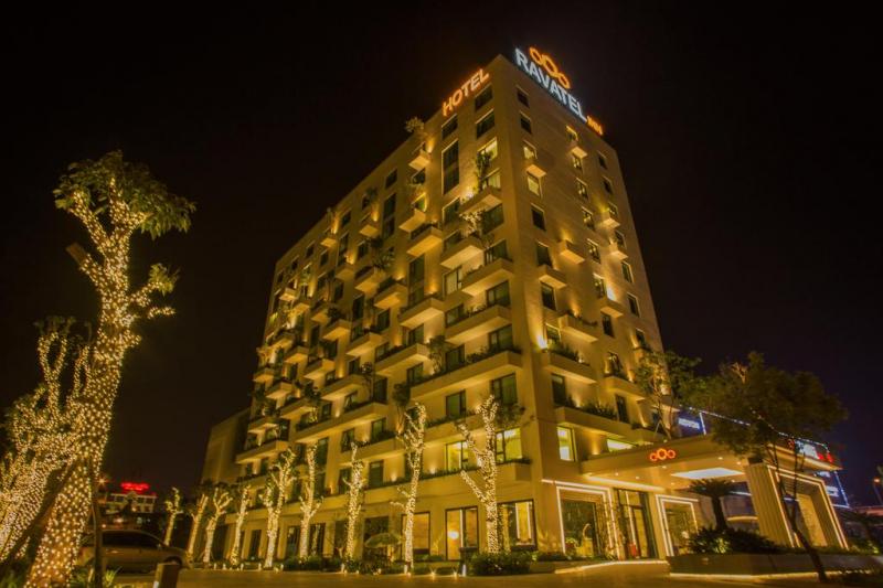 Khách sạn Ravatel Inn