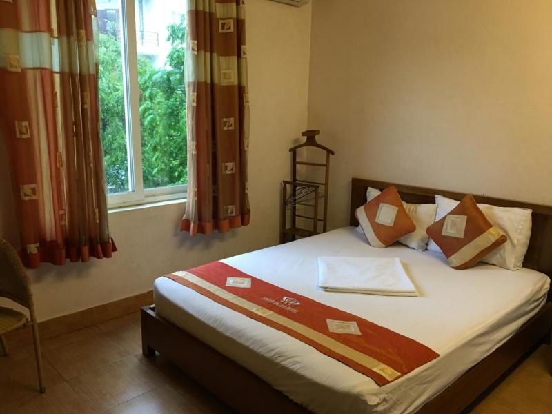 Khách sạn Saigon Palace - Trần Quốc Hoàn
