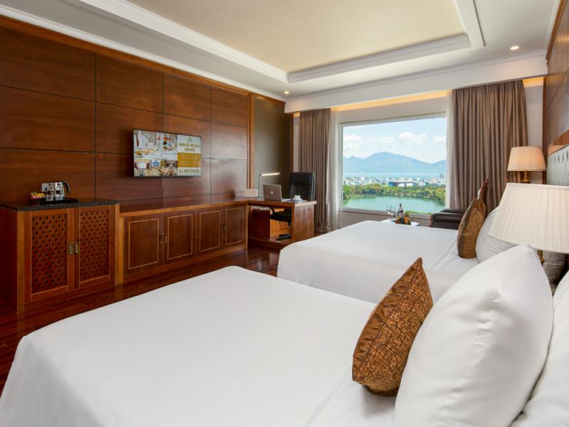 Khách sạn Samdi (view hồ cực đẹp)