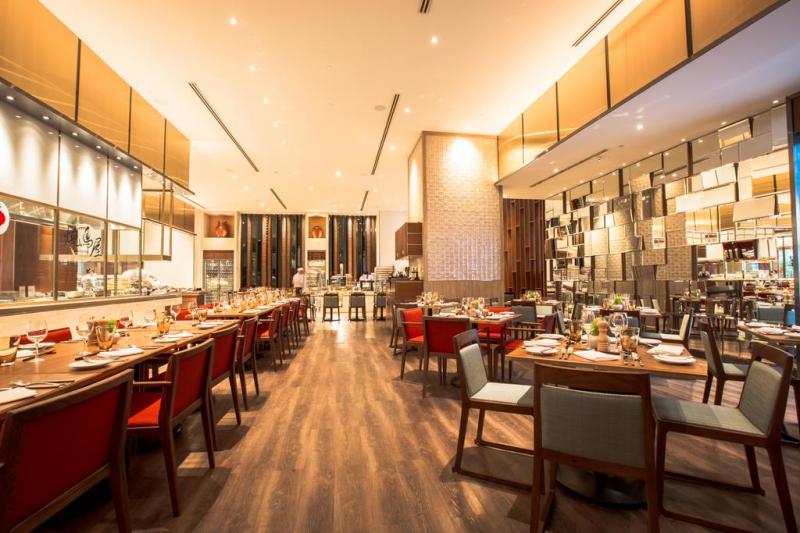 Nhà hàng sang trọng tại khách sạn Sheraton