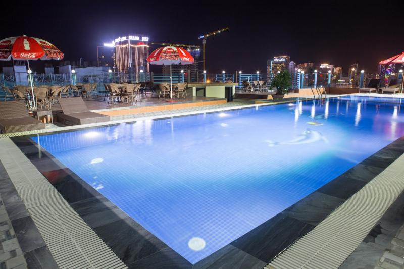 Hồ bơi khách sạn Star Đà Nẵng