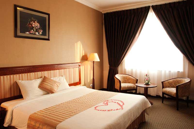Khách sạn Starcity Halong Bay
