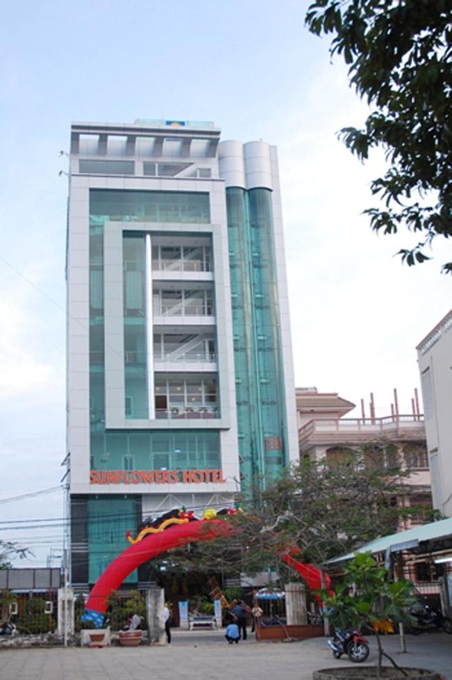 Khách sạn Sunflowers Quy Nhơn với tiêu chuẩn 3 sao, tọa lạc tại trung tâm thành phố