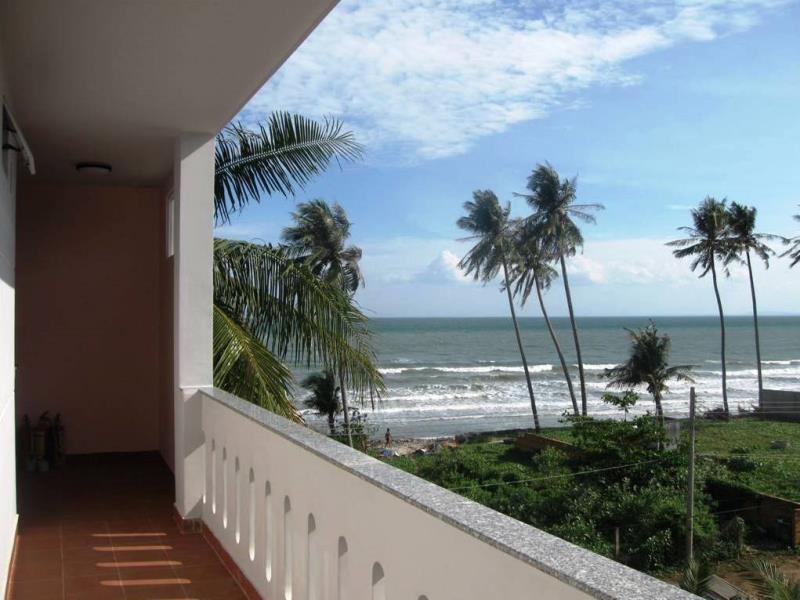 Tầm nhìn từ ban công ra biển.