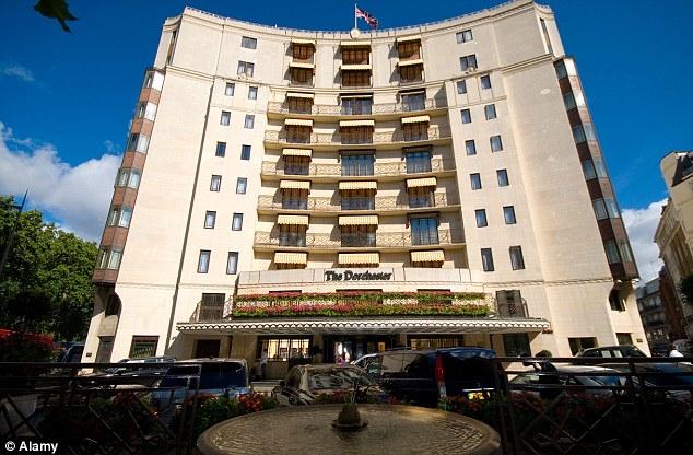 Khách sạn The Dorchester là một trong những khách sạn sang trọng bậc nhất thế giới