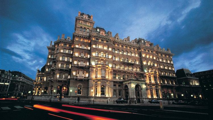 Khách sạn The Langham tại đất nước Anh này được rất nhiều nhân vật nổi tiếng thường xuyên lui tới