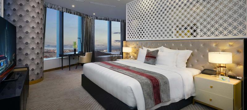 Được thiết kế theo hình tượng đóa hoa sen - quốc hoa của nước Việt Nam, khách sạn này gồm 36 phòng ốc chất lượng cao, tiện nghi, hiện đại
