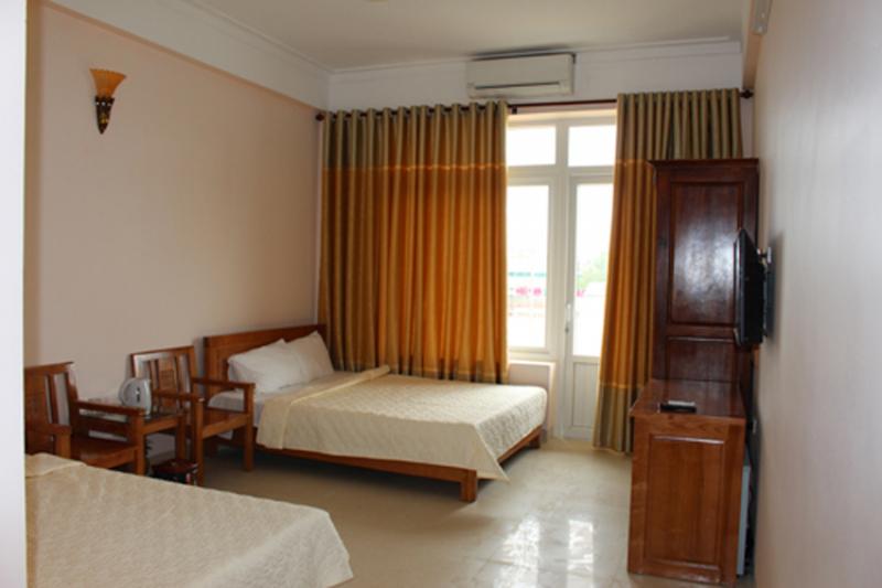 Khách sạn Vũ Phong