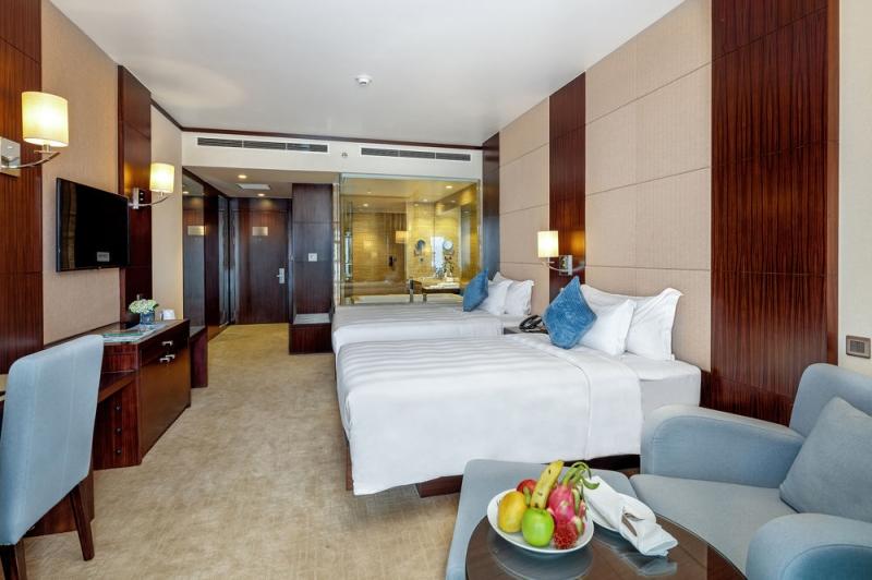 Phòng ngủ được thiết kế sang trọng và tiện nghi