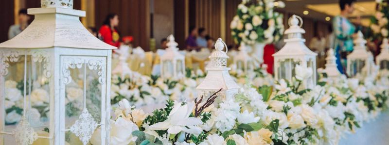 Khi đặt tiệc cưới tại khách sạn Wyndham Legend Halong, bạn sẽ được miễn phí trọn bộ trang trí tiệc cưới cơ bản và các ưu đãi đi kèm