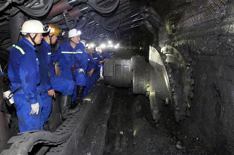 Khai thác, sản xuất than, dầu mỏ dẫn đầu trong danh sách những nghề có nguy cơ tai nạn cao nhất