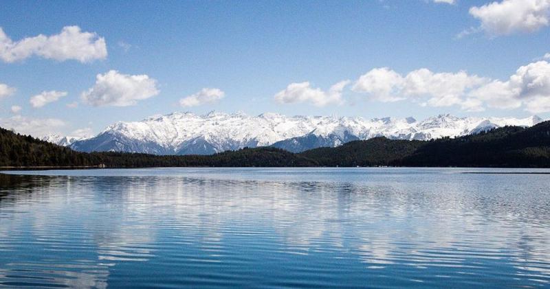 Khám phá những hồ nước kì vĩ