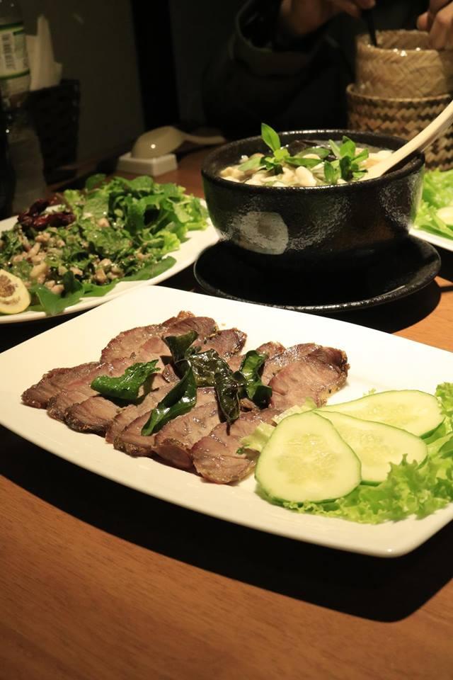 Những món ăn đặc sản mang hương vị Lào sẽ giúp bữa tiệc Tất niên cuối năm thêm mới mẻ và đáng nhớ