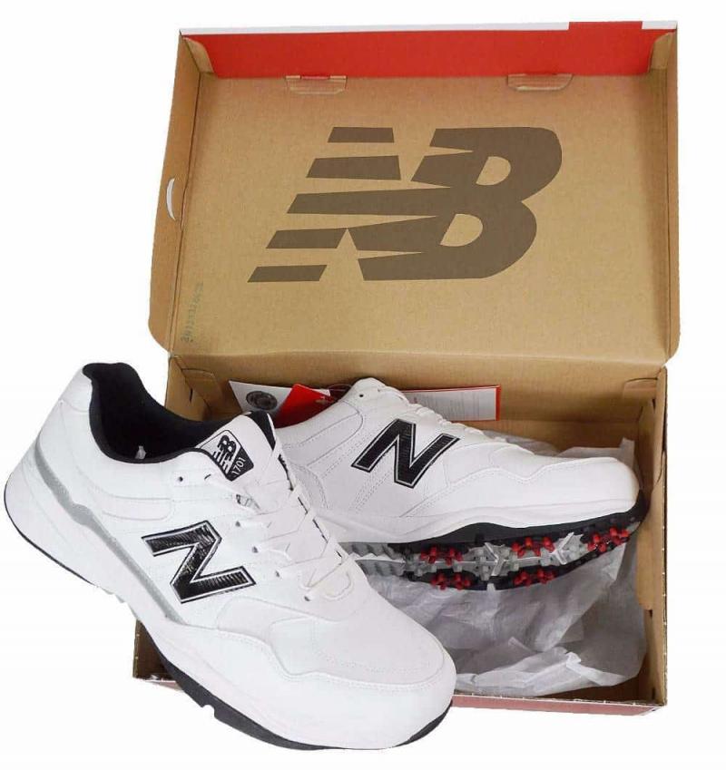 Khi không mang nữa hãy đặt giày sneaker vào hộp