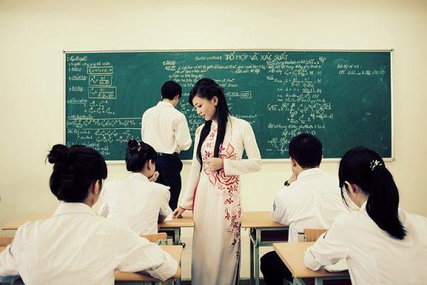 Khiêm tốn và dè dặt giúp giáo viên nhận biết con người thật của mình