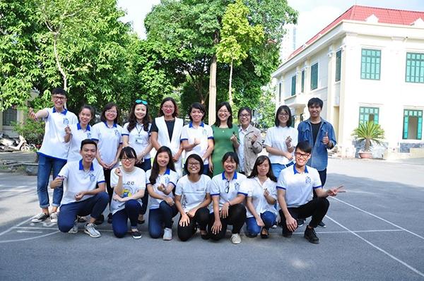 sinh viên khoa du lịch