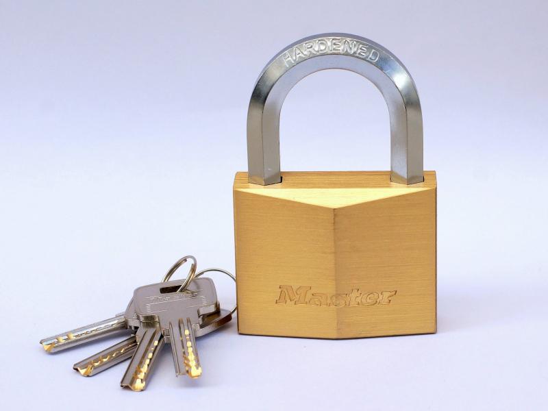 Khóa Master Lock.
