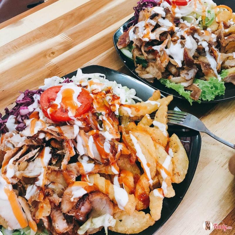 Doner Kebab rất đày đặn tại số 4 Lương Ngọc Quyến