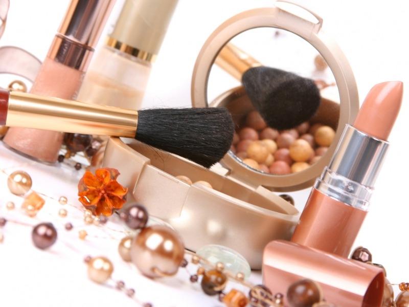Makeup không chỉ là làm đẹp cho vẻ ngoài mà còn là một trong nhưng phương thức để thể hiện cái đẹp