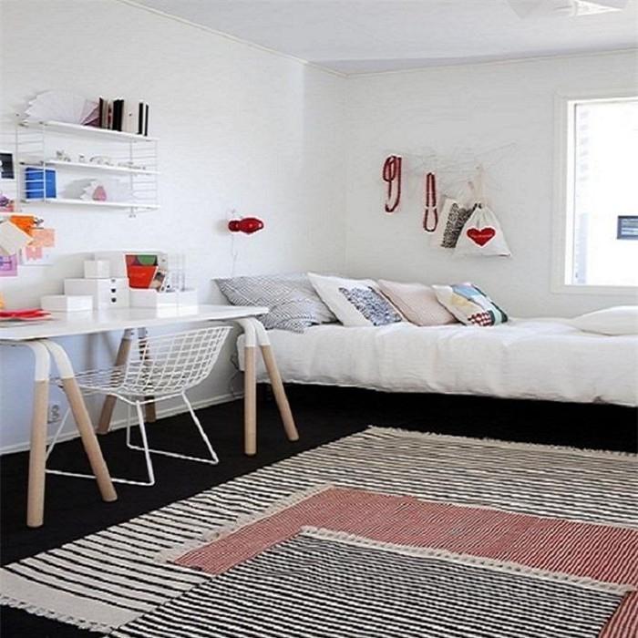 Không nên chia phòng ngủ thành nhiều không gian nhỏ bên trong.