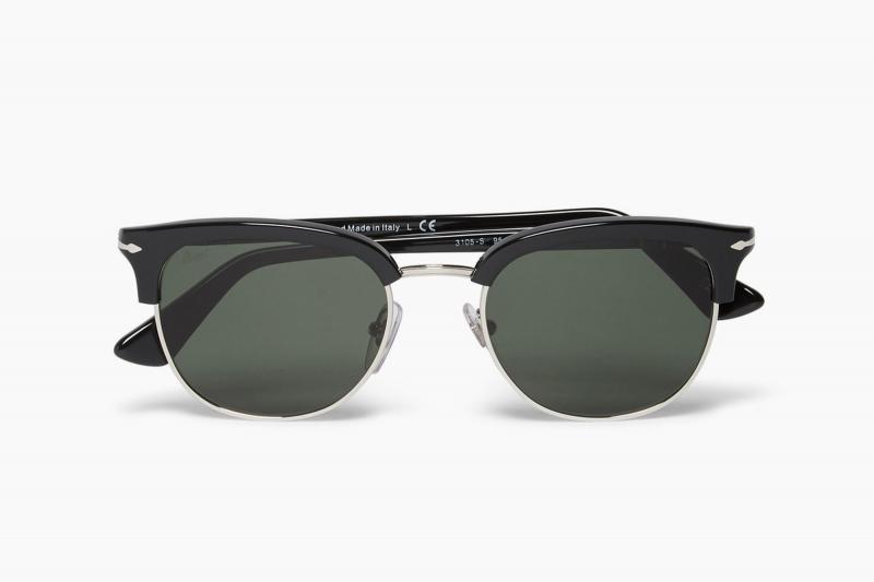 Không đeo kính râm bảo vệ mắt khi đi nắng