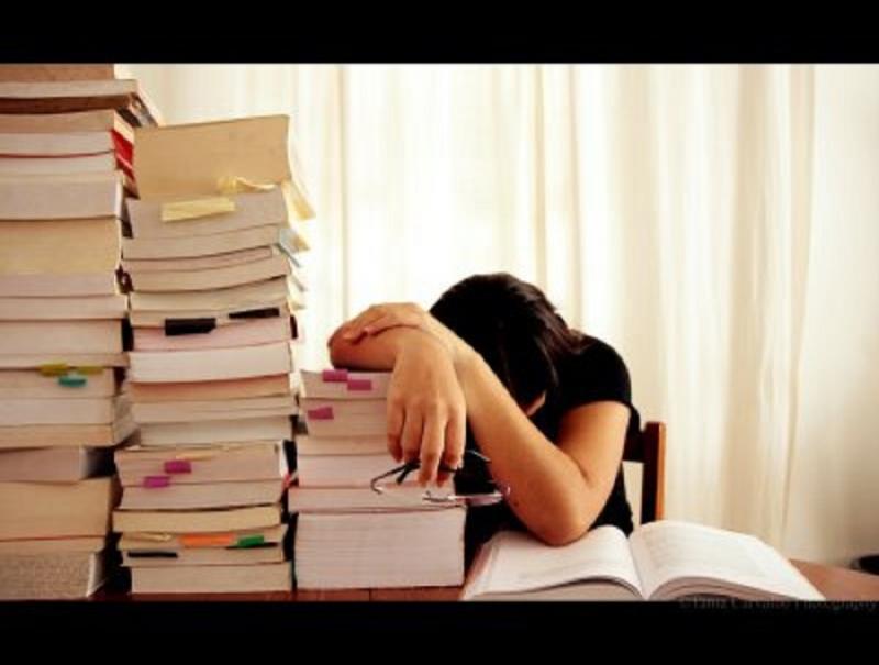 Học tủ sẽ tạo cảm giác lo lắng, làm ảnh hưởng đến tâm lí khi bước vào phòng thi