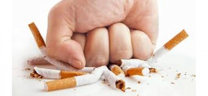Hút thuốc lá, thuốc lào sẽ gây ảnh hưởng lớn đến chỉ số IQ của con người.