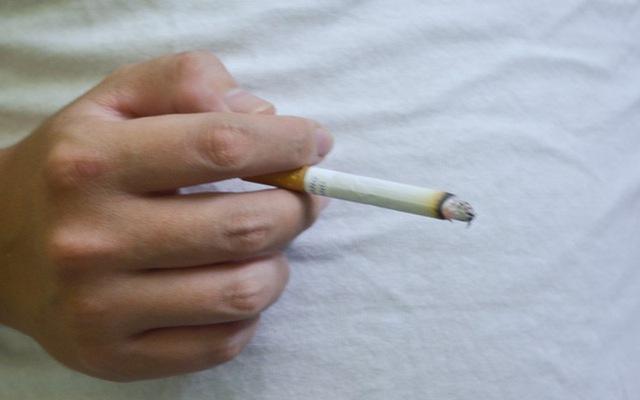Hút thuốc lá cũng gây nhiều nguy hại cho hệ tiêu hóa của bạn, đặc biệt là dạ dày