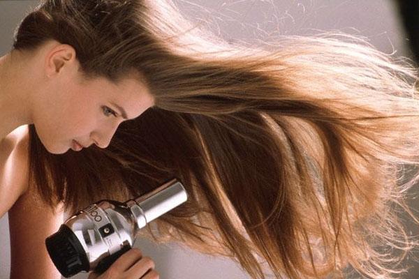 Không nên sấy tóc quá nhiều