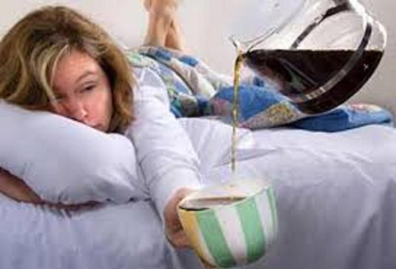 Lạm dụng cafe là hủy hoại sức khỏe của chính mình - Nguồn: Internet