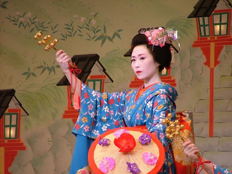 Để trở thành Geisha, người học phải thực sự chăm chỉ và nghiêm túc