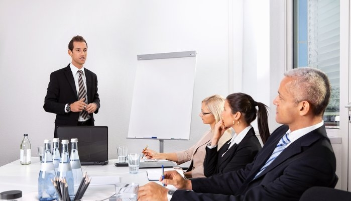 Lãnh đạo cần sẵn sàng thích nghi với những người có thái độ khác nhau