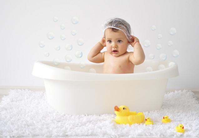 Không sử dụng xà phòng tắm cho bé.
