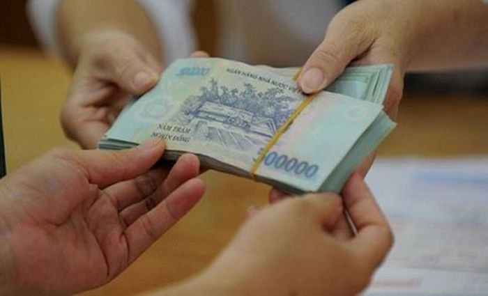 Tránh trả nợ tiền ngày Tết