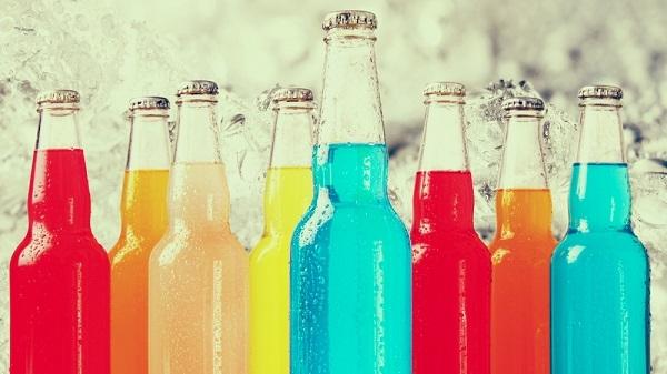 Hãy tập từ bỏ thói quen uống nước ngọt và đồ ăn vặt