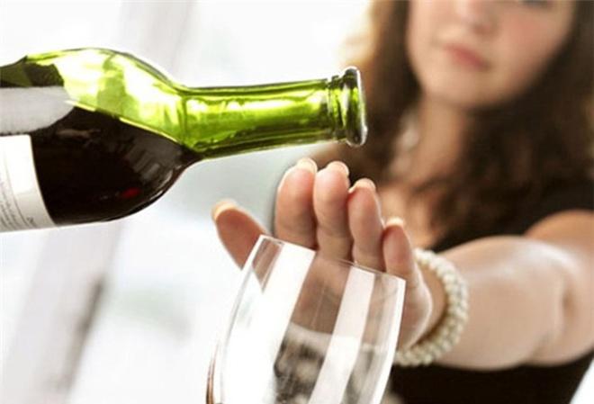 Không uống quá nhiều rượu